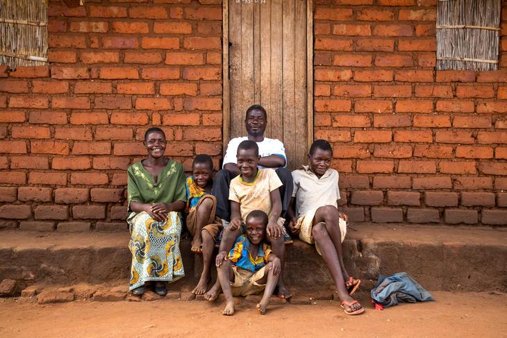 En malawisk bondefamilie. Illustrasjonsbilde: Tine Poppe