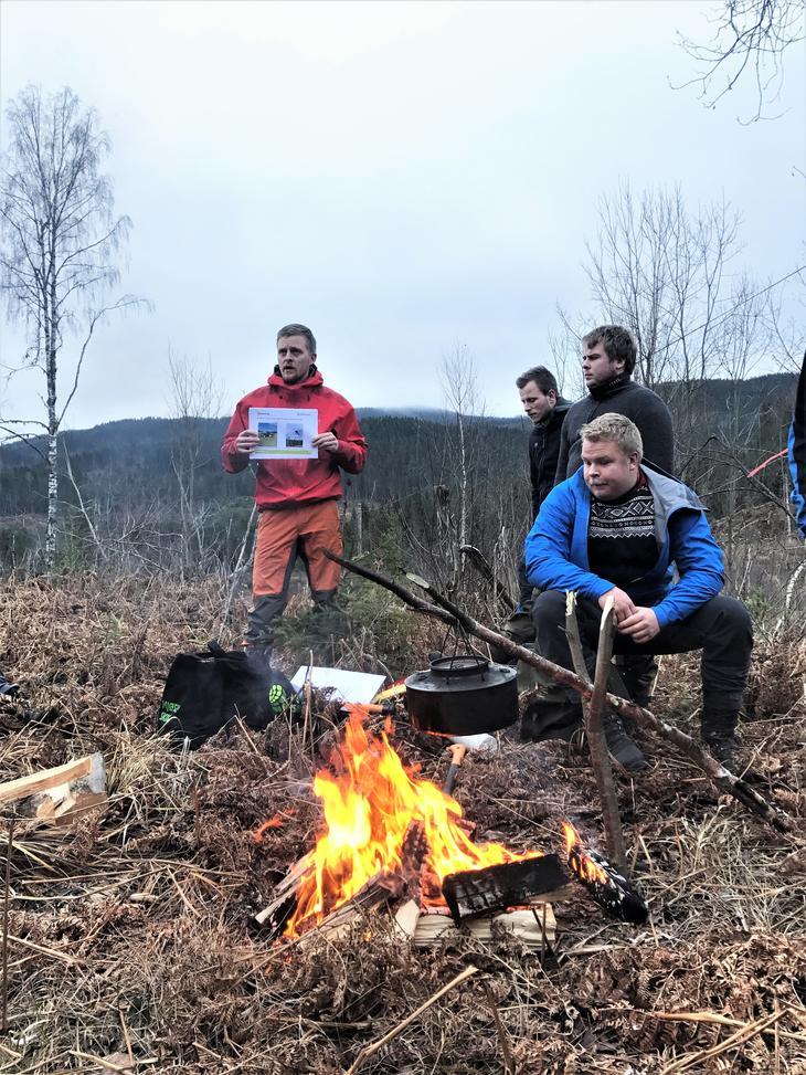 Inviter medlemmene med på tur! Bare husk å holde 1 meters avstand til hverandre. Foto: Thea Thujord