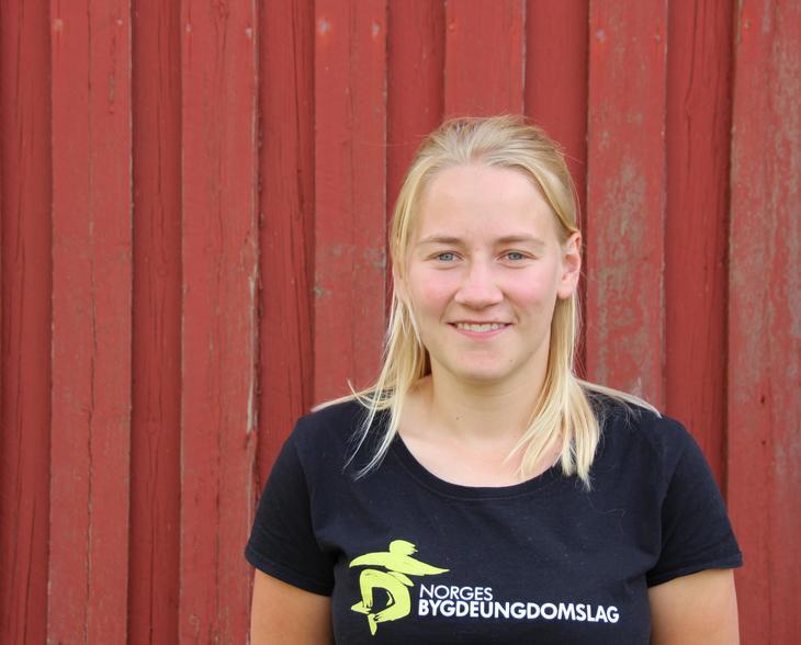 Inger Johanne Brandsrud er bygdepolitisk nestleder i Norges Bygdeungdomslag. Foto: Emma Gerritsen