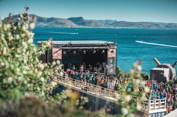 Stokkøya Festival i Trøndelag er den første plastfrie festivalen. Foto: Gerhardsen og Karlsen